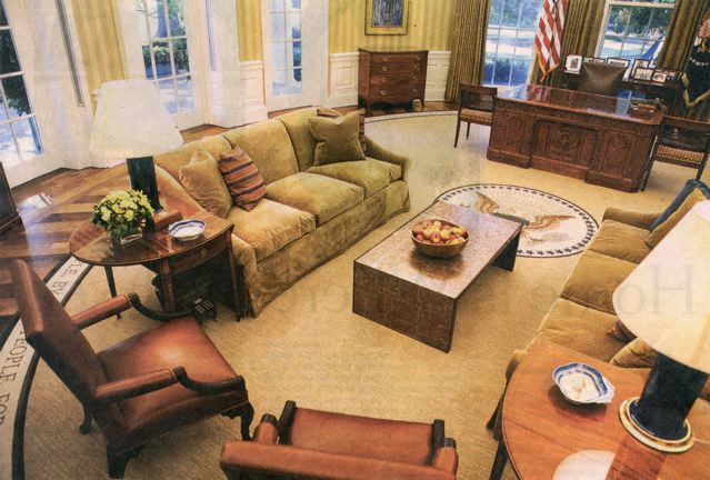 The Oval Office Re Model Cost 800k Couches I Would Guess Folks Who Donated Cash Around 10 000 Per Unit They Look Like Hell That Coffee