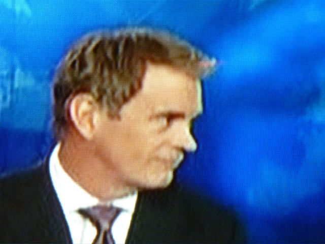 Stumptownblogger Did This Cnn Anchor Have Shoe Polish Applied To