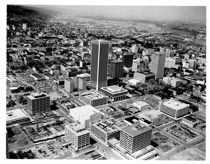 Aerial-downtown-portland-looking-nw-1972