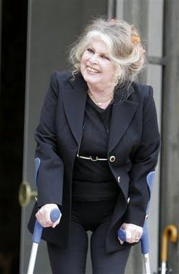 Awe Inspiring Stumptownblogger Brigitte Bardot Before After Hairstyles For Women Draintrainus