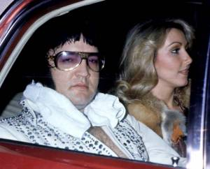 Elvis-after-a-concert-with-linda-thompson-march-21-1976