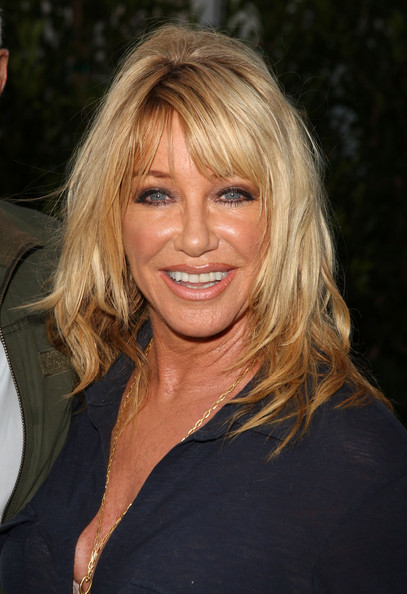 STUMPTOWNBLOGGER: SUZANNE SOMERS BLOW OUT 65 CANDLES IN