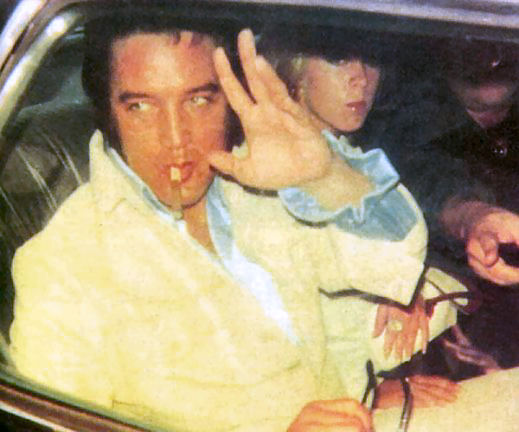 Elvis cand