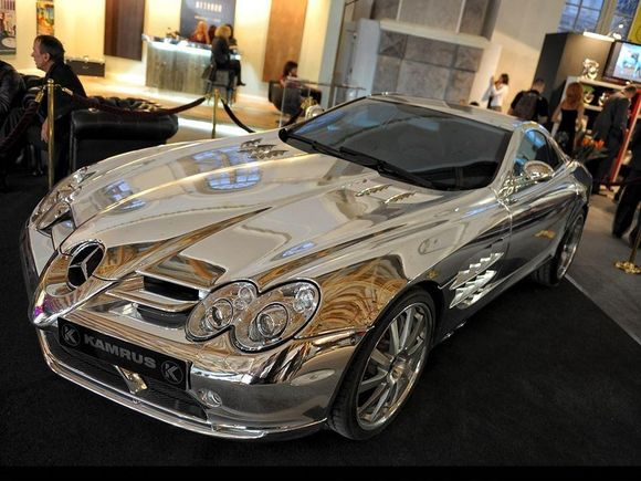 MERCEDES MADE OF 18 KARAT WHITE GOLD
