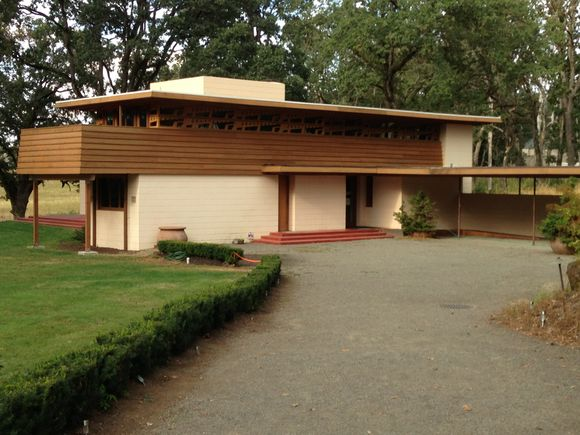 THE ONLY FRANK LLOYD WRIGHT HOME BUILT IN OREGON