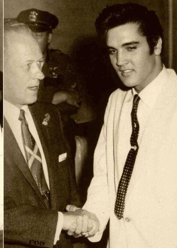 MAYOR SCHRUNK WELCOMES ELVIS IN 1957