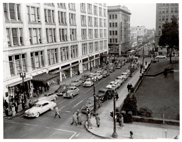 M&F, PIONEER COURTHOUSE AND FRED MEYER