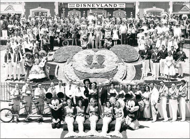 Disney opens1