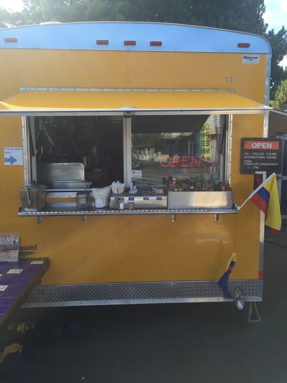 THIS FOOD CART IS WORTH THE TRIP