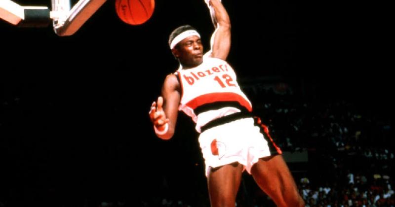 Bates 3 dunk