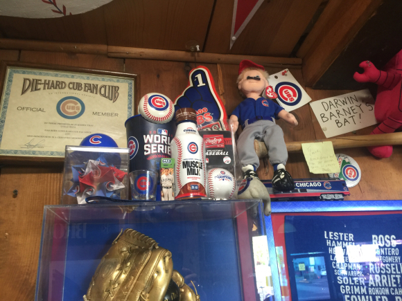 YOU DON'T HAVE TO BE A CUB FAN TO LOVE THIS RESTAURANT