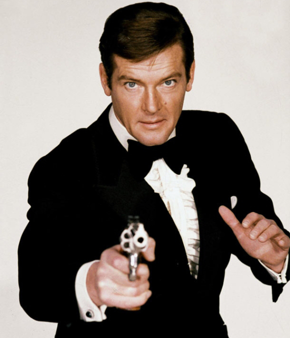 A GREAT 007 IS DEAD AT 89