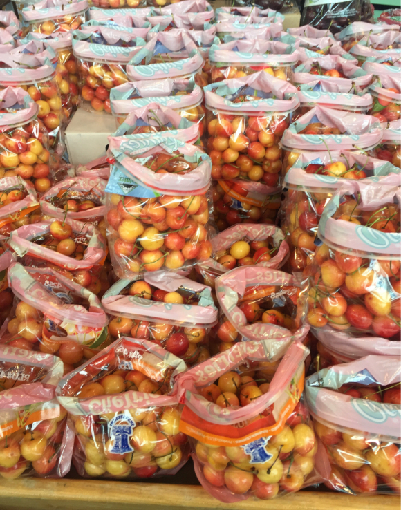 YES .... I LOVE RAINIER  CHERRIES