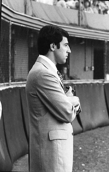FLAMBOYANT DAVE HERSH WATCHING HIS BALL CLUB
