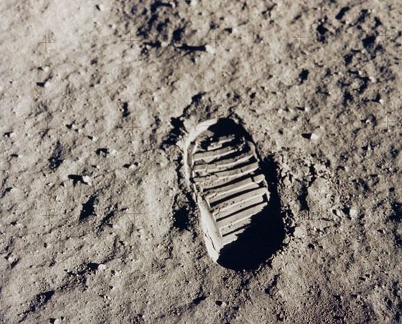 MOST FAMOUS FOOTPRINT EVER