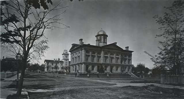 CUSTOM HOUSE 9
