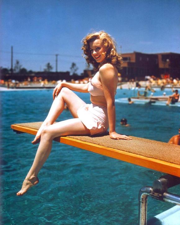 MARILYN IN 1949