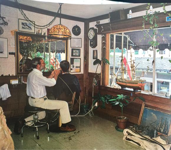 Les Fulgham's Barber Shop in Carmel California
