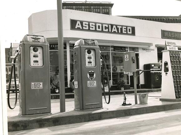 YOUNGSON AUTO SERVICE (1955)