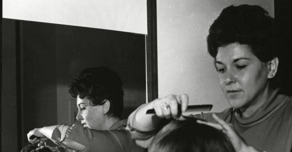 INVENTOR OF BLOW-DRY HAIRSTYLING DIES AT 94