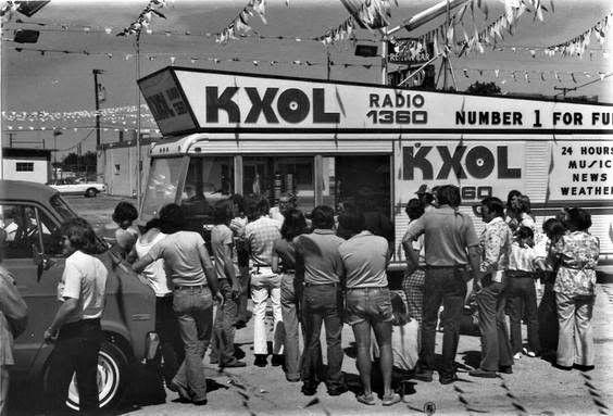 KXOL RADIO