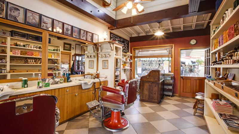 Barber club