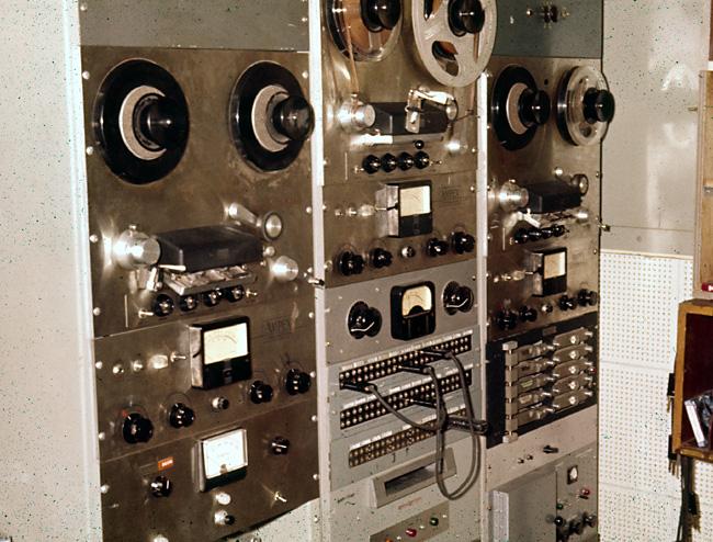 ECC437DF-7E47-403F-B058-A422BC113C01