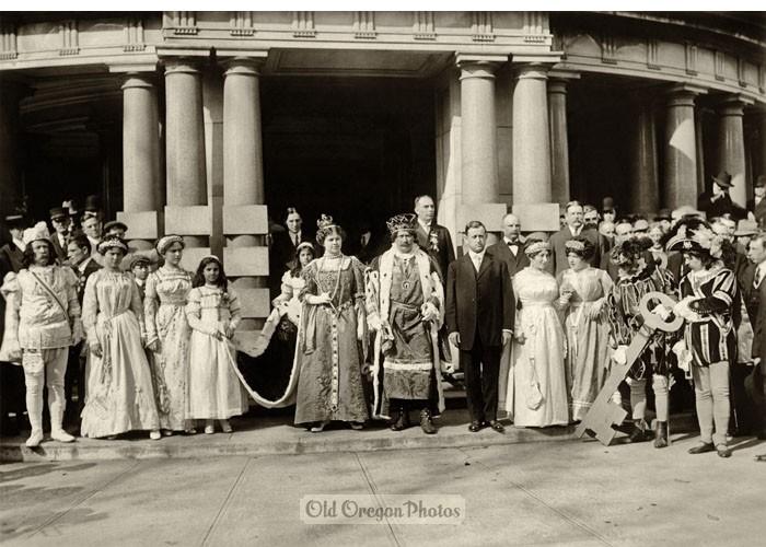 Ir219z500_portland_rose_festival_ceremony_c_1912